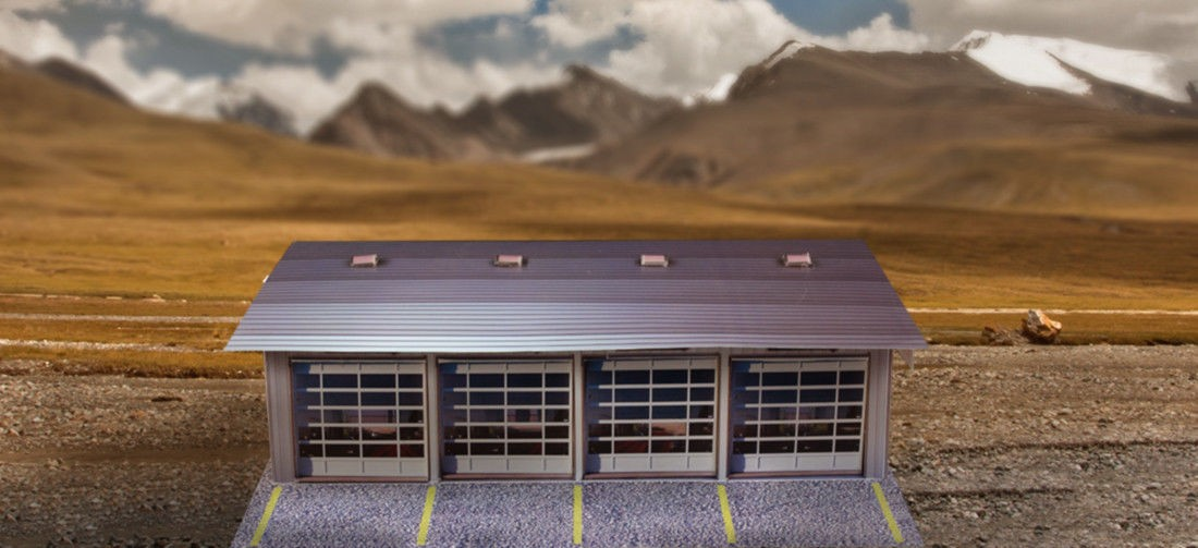 """BK 6411 1:64 Scale """"4 Stall Pit Garage"""" Photo Real Scale Building Kit"""